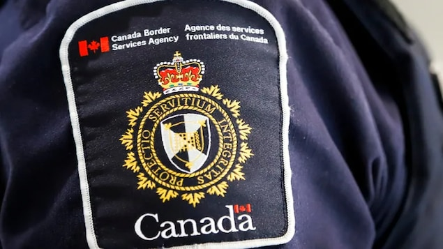 Canada Border Service Agency logo. The union representing workers at the Canada Border Service Agency says its members have been without a contract for the past three years.