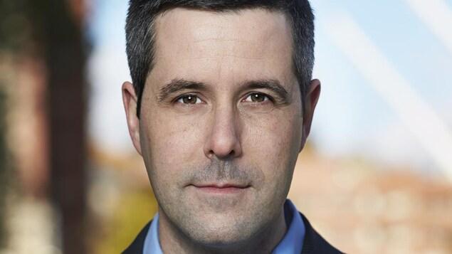 Louis-Olivier Batty, porte-parole d'Hydro-Québec, connaît bien le dossier des bornes de recharge pour les voitures électriques.