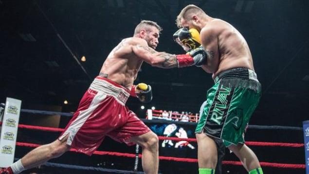 Le boxeur acadien David Whitthom.