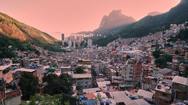 Vue de la favela de Rocinha.