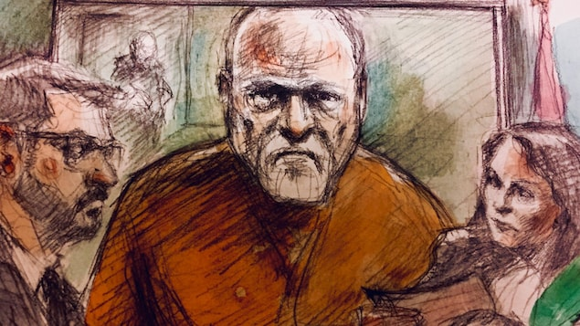 Photo de Bruce McArthur habillé en orange.