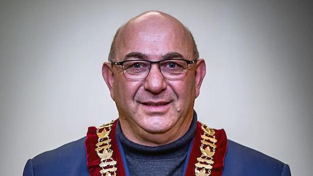 Un portrait du maire de Castlegar, Bruno Tassone, qui a démissionné vendredi.