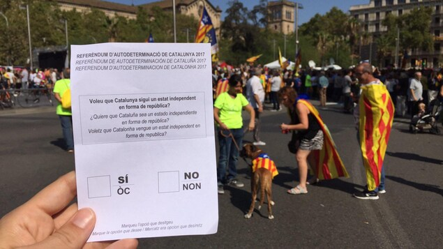 Notre correspondant Jean-François Bélanger a reçu un bulletin de vote durant la manifestation.