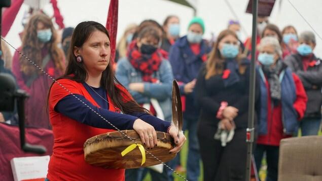 Des activités musicales sont organisées sur la réserve Wolastoqiyik Wahsibekuk près de Cacouna.