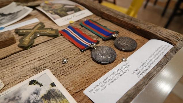 Des médailles de l'armée canadienne