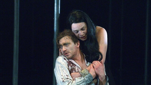 Benoît McGinnis et Macha Limonchik dans «Caligula» au TNM