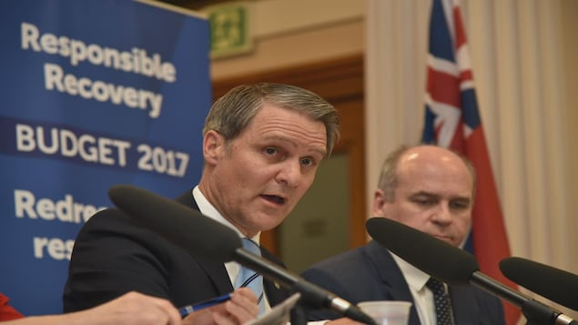 Cameron Friesen lors d'une conférence de presse