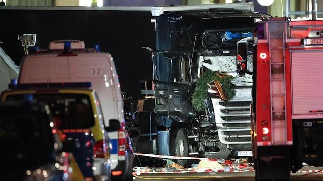 Le camion qui a foncé sur une foule près d'un marché de Noël à Berlin
