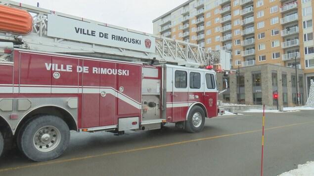 Un camion de pompier devant le Havre de l'Estuaire