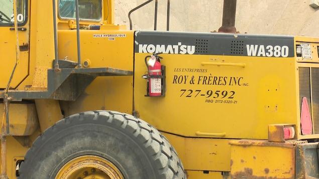 Un des véhicules de l'entreprise Roy & Frères inc.