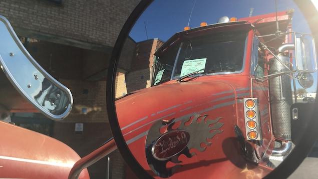 La circulation perturbée par une manifestation de camionneurs — Montréal et Québec