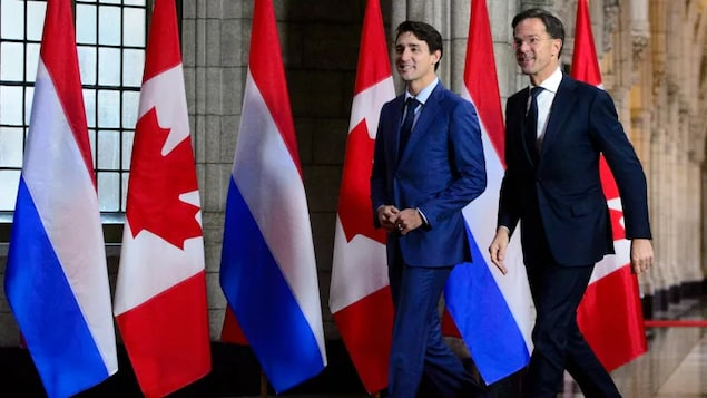 Prime Minister Justin Trudeau welcomes the Prime Minister of the Netherlands Mark Rutte to Parliament Hill in Ottawa on Thursday, Oct. 25, 2018.