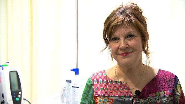 Christine Arsenault est infirmière clinicienne au Centre intégré de santé et de services sociaux de la Gaspésie. Elle est à l'origine du site cancergaspesie.ca.