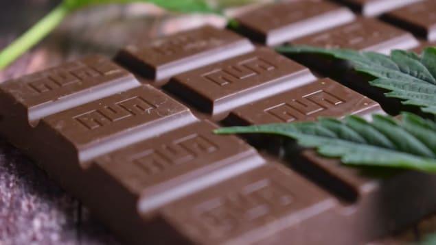 Une barre de chocolat au cannabis.