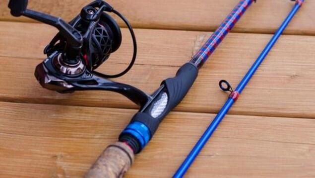 Une canne à pêche personnalisée fabriquée par les Cannes Boréal.