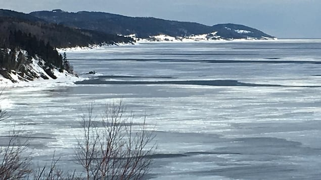 Paysage de la mer à Cap-aux-Os en Gaspésie.