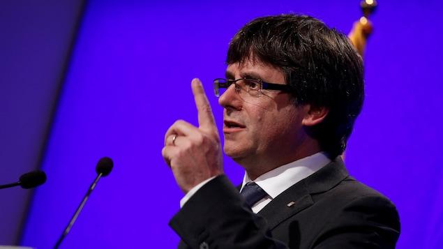 Carles Puigdemont a annoncé qu'une commission spéciale allait enquêter sur les violences commises par les forces policières lors du scrutin.