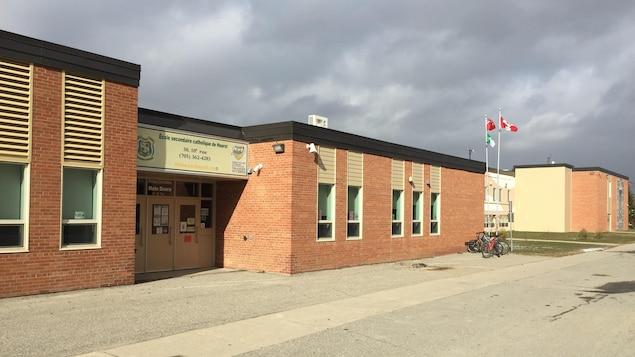 L'École secondaire catholique de Hearst.