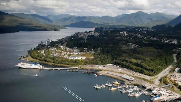 Vue aérienne du port de Prince Rupert.
