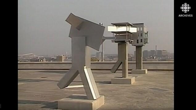Sculptures sur la terrasse du jardin du Centre Canadien d'Architecture (CCA)