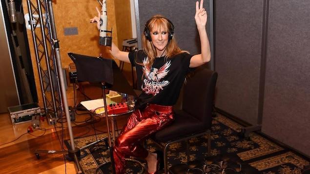 Céline Dion semble ravie de retournée en studio, selon une publication Instagram du 20 septembre 2018.