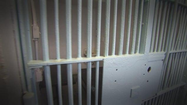 Une cellule de prison.