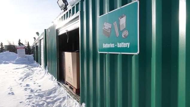 Le centre de tri de Schefferville en hiver