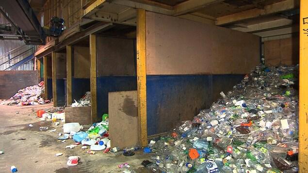 Le Phare trie les matières recyclables en plusieurs catégories.
