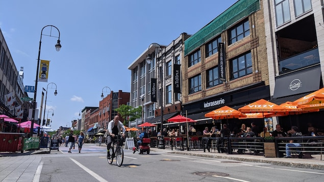 Des terrasses de la rue Des Forges au centre-ville de Trois-Rivières.