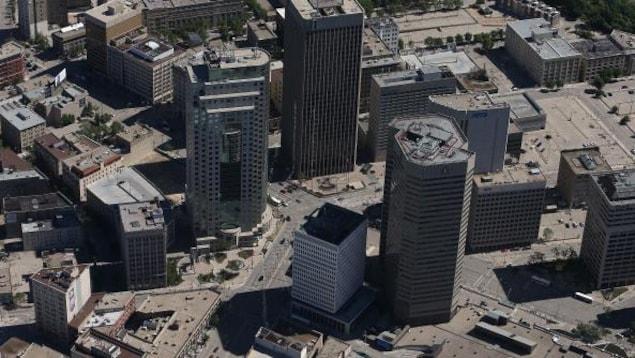 Une vue aérienne du centre-ville de Winnipeg