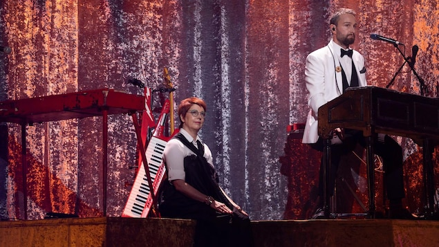 Chantal Lamarre et Antoine Gratton sur scène.