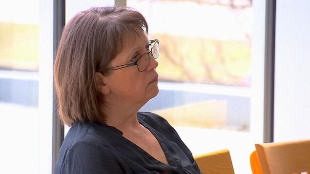 Une mère de famille pardonne à son fils qui a assassiné son frère, et qui a voulu également la tuer elle ainsi que son mari Chantal-michaud-proces-toby-carrier