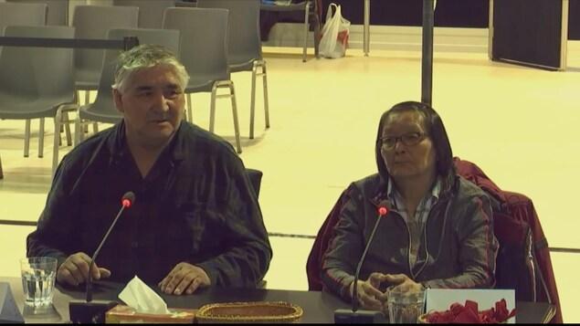 Charles-Api Bellefleur et Marie-Angèle Mestenapéo à la Commission Viens