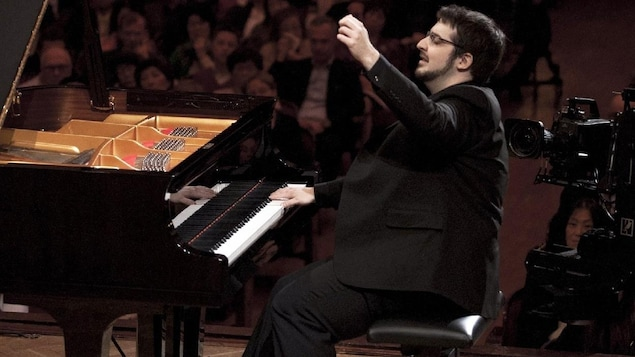Le pianiste Charles Richard-Hamelin en récital