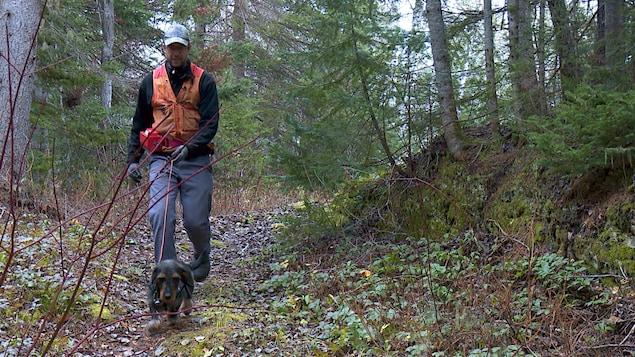 Eric Gosselin et son chien font équipe depuis 10 ans.