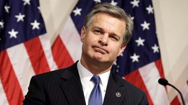 Le directeur du FBI, Christopher Wray, lors d'une conférence de presse à Washington