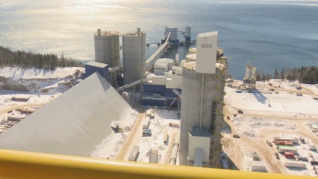 Le terminal pour l'exportation des produits de la cimenterie de Port-Daniel