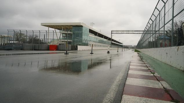 Le circuit Gilles-Villeneuve sous la pluie.