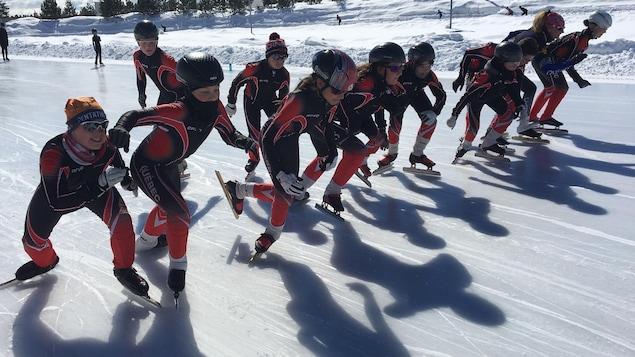 Les jeunes ont hâte de pouvoir patiner dans le nouveau complexe.