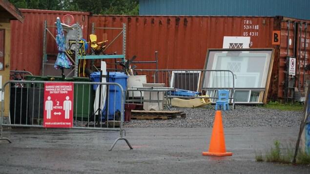 Co-Éco pourra accueillir les panneaux de plexiglas dans les éco-chantiers.