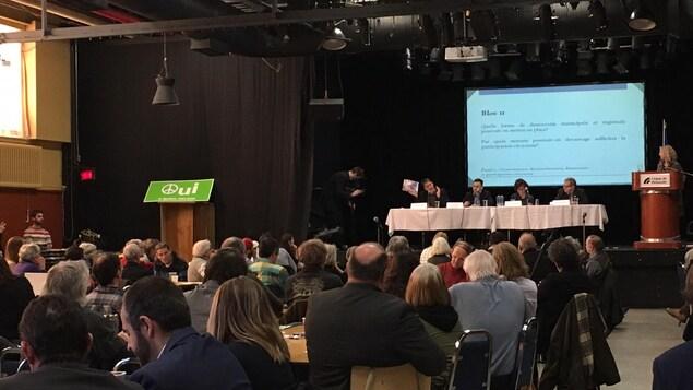 Sylvain Gaudreault, Paul Saint-Pierre Plamondon et Gérald Beaudry ont entre autres participé à la discussion samedi avant-midi.