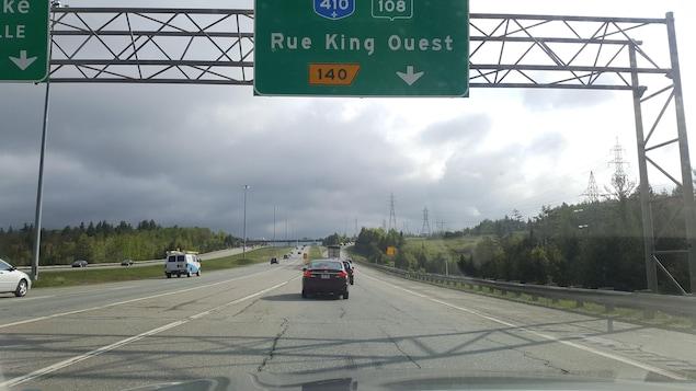 La congestion se fait sentir à partir de l'autoroute 10.
