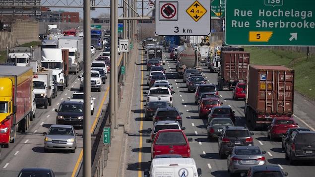 Images génériques pour illustrer la congestion routière sur le réseau montréalais.