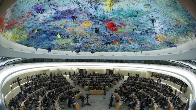 Une réunion du Conseil des droits de l'homme de l'ONU, dans la salle où il siège, à Genève, en Suisse.