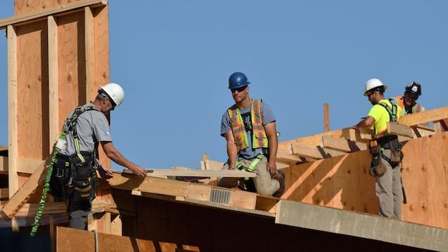 加拿大曼尼托巴省今年将有 8000 多技术工人退休。