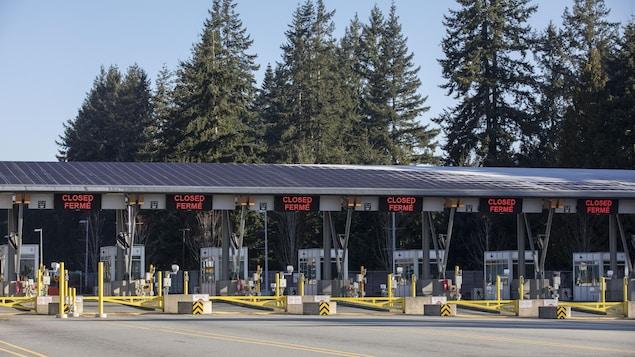 La frontière canado-américaine à Peace Arch-Douglas fermée en date du 18 mars 2020.