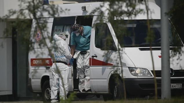 近来俄罗斯的新增病例和死亡人数大增。