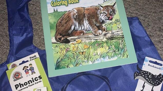 Des articles de coloriage pour les enfants.