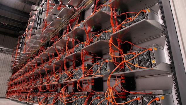L'intérieur d'un centre de données.