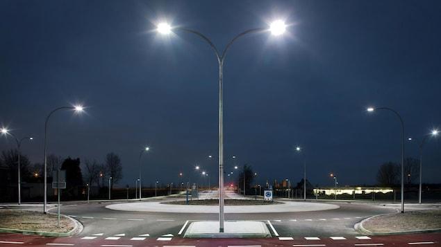 De nombreuses villes changent actuellement l'éclairage de leurs rues et optent pour la lumière DEL.